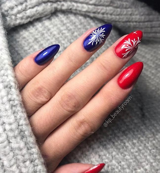 Rred Blue Winter Manicure Nail Design Ideas