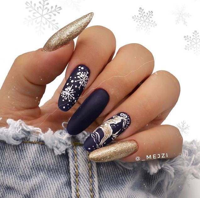 Navy Winter Manicure Nail Design Ideas