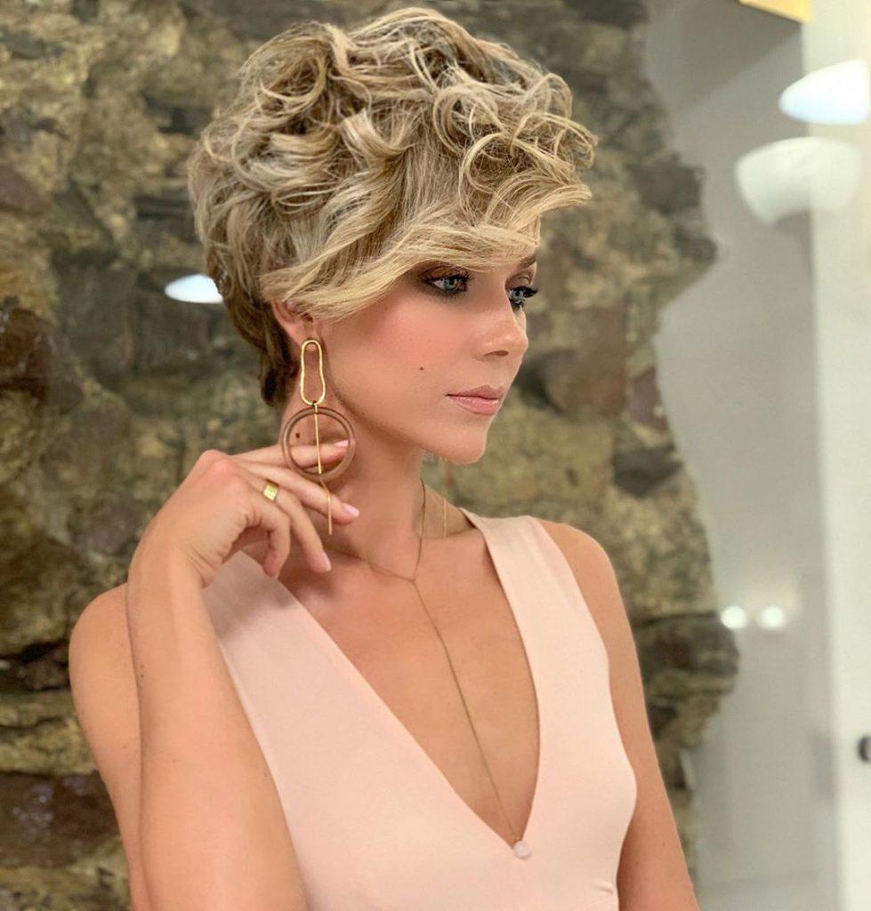 Bob Haircut: 14 elegant and modern options
