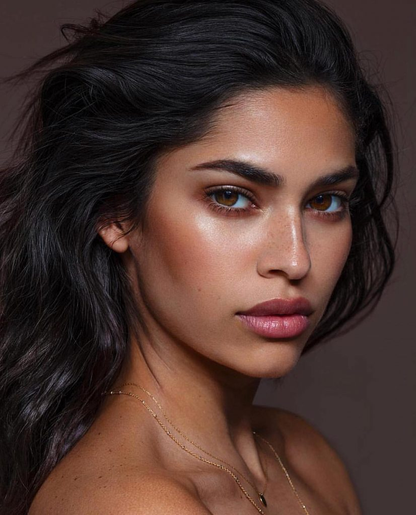 Brown Eyes Makeup 2020: Bright and Contrasting Ideas