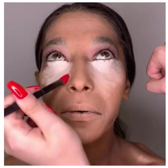 The stylist turned a woman into a spectacular beauty